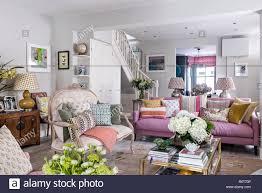 Wohnzimmer Mit Sofa Vintage Französischen Stil öffnen