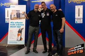 Wesley Harms winnaar Open Veendam 2015, Danny Holt runner-up |  Dartfreakz.nl Dartnieuws en meer... %