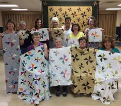 Kansas Troubles Quilters by Lynne Hagmeier – AURIbuzz & Lynne and members of the Gems of the Prairie Quilt Guild in Peoria, IL. Adamdwight.com