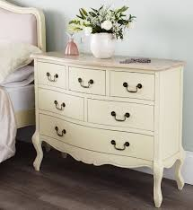 Shabby Chic Bedroom With Dark Furniture Shabby Chic Bedroom With Dark Furniture Creating The Effect Of