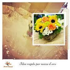 I fiori più gettonati in questo senso sono le mimose, i girasoli, i narcisi, i fiori di camomilla, i tulipani gialli e le margherite. Idee Regalo Per Nozze D Oro Nozze D Oro Nozze Idee Regalo