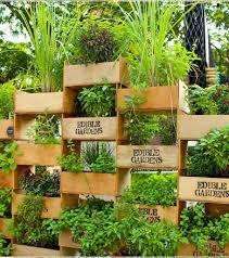 144 best horta images on vertical vegetable gardens vegetable garden planters ideas