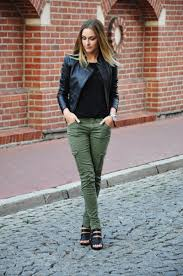 fashion fashionista Karina nero verde Karina in Fashionland Like.