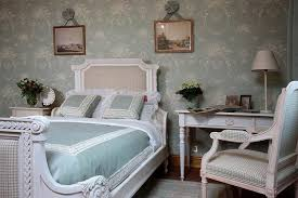 vintage inspired bedroom furniture vintage furniture vintage style bedroom furniture sets vintage decor antique inspired furniture