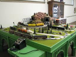 17 bästa bilder om lionel postwar trains på layout lionel dealer display layouts factory layouts and postwar layouts o gauge railroading on line
