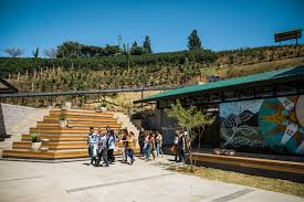 Starbucks has been sharing costa rican coffee with the world for 40 years. Coffee Lovers Can Visit A Starbucks Coffee Farm In Costa Rica For The First Time Teen Vogue