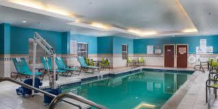 busch gardens hotel. Holiday Inn Express And Suites Williamsburg 2x1 Busch Gardens Hotel