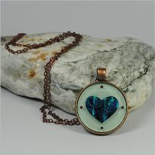 circle pendant necklace paua heart green cpnphg jewellery j stand