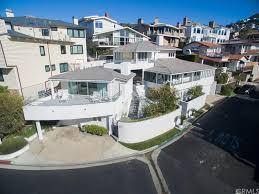 Warren Buffett Asks 11m For His Laguna Beach House Dailydeeds