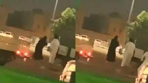 فيديو.. شاب يعتدي بالضرب على بائعة رفضت إعطاءه سنابها في الخرج - صحيفة صدى  الالكترونية