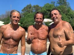 Il Vescovado - Roberto Mancini con Enzo Mammato in Costa Smeralda per il  compleanno di Angelo Domenghini [FOTO]
