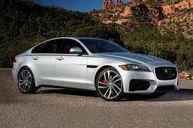Xf drugiej generacji został po raz pierwszy oficjalnie zaprezentowany podczas targów motoryzacyjnych w nowym jorku 1 kwietnia 2015 roku. There S A Secret 2020 Jaguar Xf Discount Right Now Carbuzz