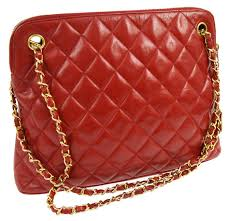 Chanel - Red Quilted Chain Shoulder bag - Vintage - Catawiki & Chanel - Red Quilted Chain Shoulder bag - Vintage Adamdwight.com