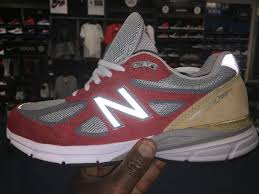 new balance 990v4. the shoes come in thanksgiving themed colors featuring gold bronze, red, grey and white. they are dressed a multi layer upper made up of premium pigskin new balance 990v4