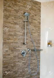 Badezimmer Dusche Mit Zwei Duschköpfen Und Glas Abdeckung