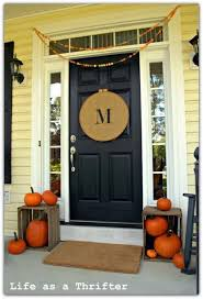 front door decor15 Cheap and Cute Fall Front Porch Decorating Ideas