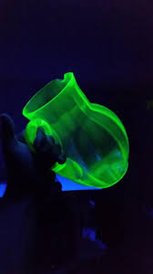 Green Glass That Glows Under Black Light I Got A Set Of Uranium Glassware Today It Glows Under