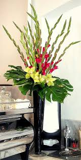 45 Beautiful Ideas to Make Gladiolus Flower Arrangements for Your Home Decor