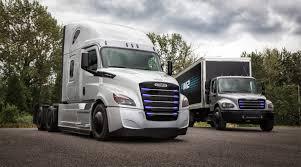 Freightliner Unveils All Electric Ecascadia Em2 Models