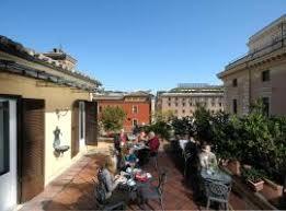 Die spanische treppe an der piazza di spagna, ist imposante freitreppe roms und beliebter treffpunkt der stadt. Die 10 Besten Hotels In Der Nahe Von Spanische Treppe In Rom Italien
