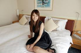 Yui Oba Photo Gallery 17 Pics 17.