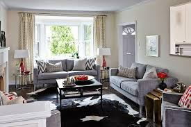 living room layouts with bay windows