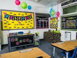 Best 25+ Neon classroom decor ideas on Pinterest | Kindergarten ...