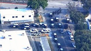 Said officials were also investigating a fire at a house, which multiple outlets reported belonged to the suspect, that broke out around the same time as the shooting. Zdks 25fav Lfm