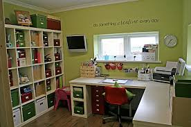 office craft room ideas. She Decides To Place Nails On An Old Frame - What Does With It After Is Incredible. Office Craft Room Ideas