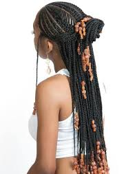 It seems so avantgarde but at the same time linear and really interesting. 20 Trendiest Fulani Braids For 2021