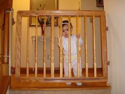 Wood Baby Gate For Stairs With Banister : Best Baby Gates for Stairs ...