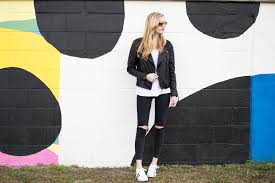 styelled blog elle elisabeth florida blogger fashion style ootd top old navy adidas superstar skinny jeans black leather jacket biker burberry fblogger