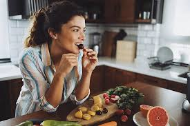 To Lose Weight: Ditch the Calorie Calculator and Do This Instead