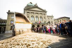 Pressenza referendum in svizzera: u201cil reddito di base richiede