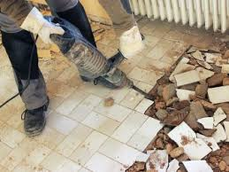 Dabei werden sowohl an das gerät als auch den aufsatz besondere anforderungen gestellt: Fliesen Richtig Entfernen 5 Tipps Mit Anleitung Heimwerker De