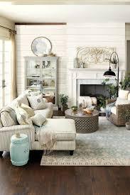 Neutral Farmhouse Living Room Decor Ideas