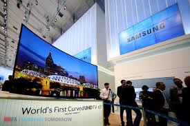 samsung tv 65 curved. samsung electronics unveiled the world\u0027s first curved uhd tv tv 65