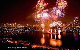 fire works in boston boston fireworks and concert 2018 july 4th boston discovery guide