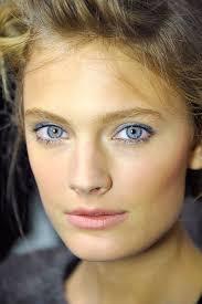 blue eye makeup at paris fashion week spring 2016