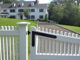 Picket Driveway Gate in New Canaan CT Riverside Fence