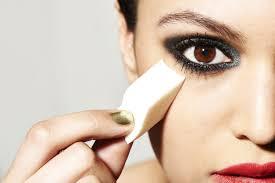 5 ways you re using your makeup sponge wrong