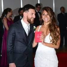Lionel Messi + Antonella Roccuzzo: Details zum Brautkleid und ein böser  Fauxpas