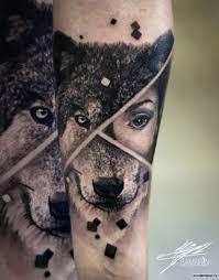 волк девушка на предплечье добавлено кирилл самарин