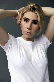 zosia mamet feminist essay international womens day zosia mamet s r29 essay on the terrible boyfriend who changed her life