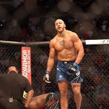 """Ciryl Gane ist Interimschamp: UFC hat neuen """"gefährlichsten Mann des  Planeten"""" - n-tv.de"""
