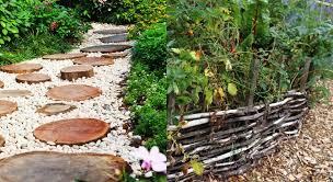45 creative garden bed edging ideas