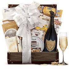 gift baskets overseas 19 photos gift s 1337 machusetts ave arlington heights arlington ma phone number last updated january 30