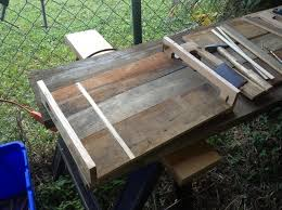 How to Make a Serving Tray Out of Pallets