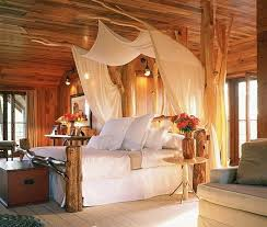 [Bedroom] : Beautiful Romantic Bedroom For Couple With King Size Wooden Bed  Set With