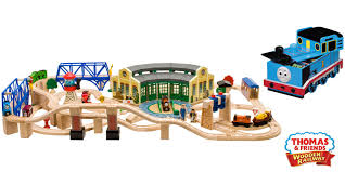 tidmouth shed roundhouse and toy box by thomas and friends